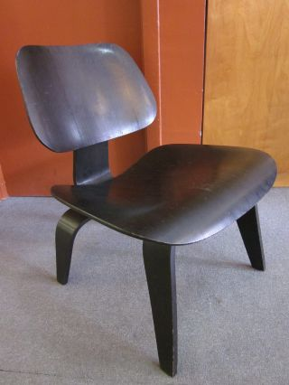 Early Production Charles Eames/herman Miller Black Lcw Chair C1950s photo