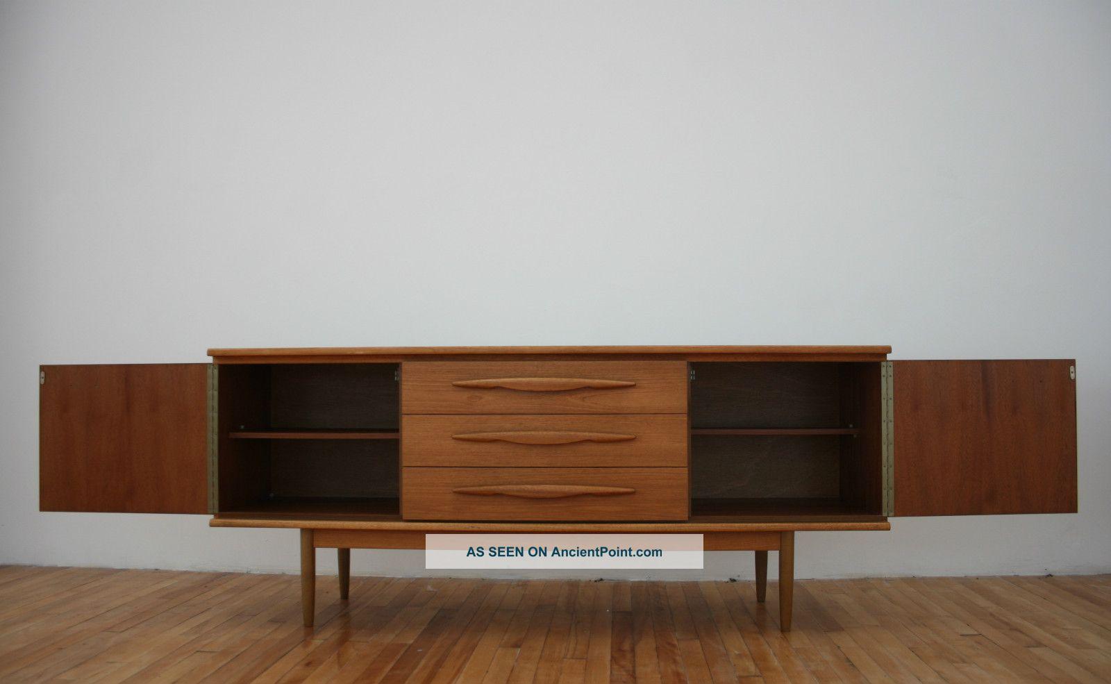 Retro Sideboard Teak Vintage 60s 70s Long & Low 1900-1950 photo