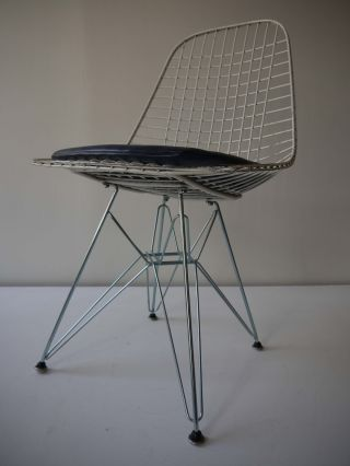 1980s Vintage Dkr Eiffel Side Shell Chair By Eames For Herman Miller photo