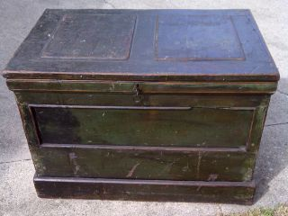 Large - Dovetailed - Blanket / Storage Chest - Handmade Antique - Key photo