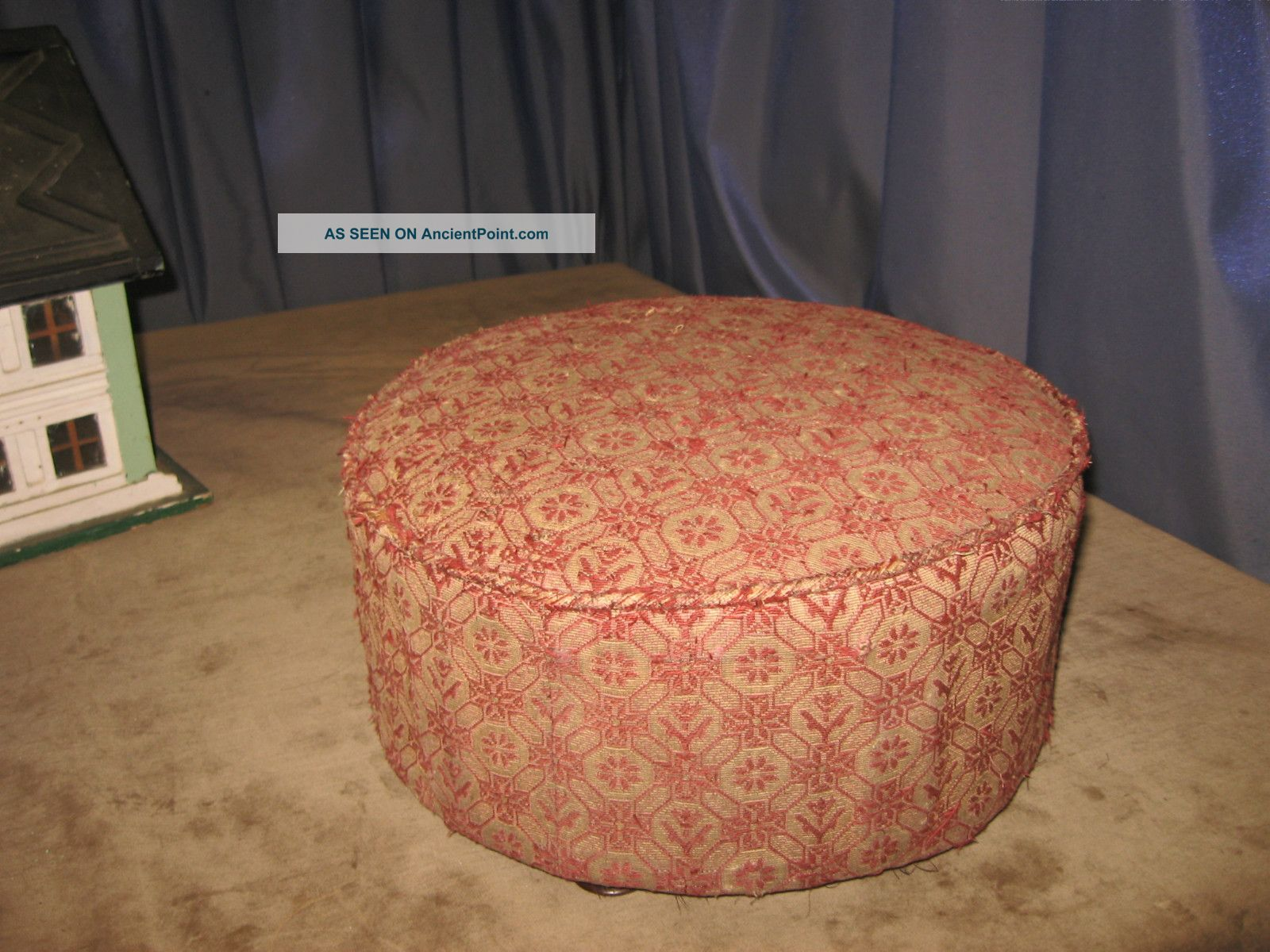 Antique 1800s Victorian Round Footstool Condition Walnut Feet & Fabric 1800-1899 photo