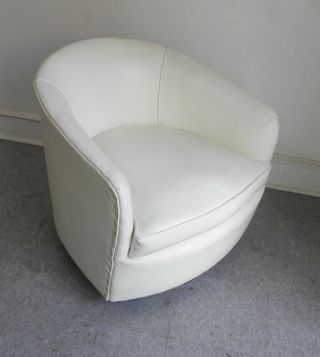 Mid Century Modern Milo Baughman Lounge Swivel & Tilt Barrel Chair 1970s photo