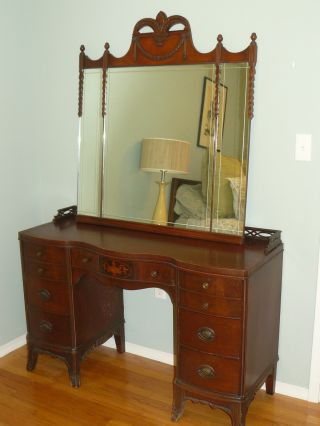 Stunning Antique 1940 ' S Mahogany Bedroom Set - Bed And Vanity - Fleur De Lis photo
