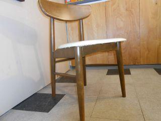 1960 ' S Danish Modern Walnut Chair Retro Mid - Century Round Peg Legs White Vinyl photo
