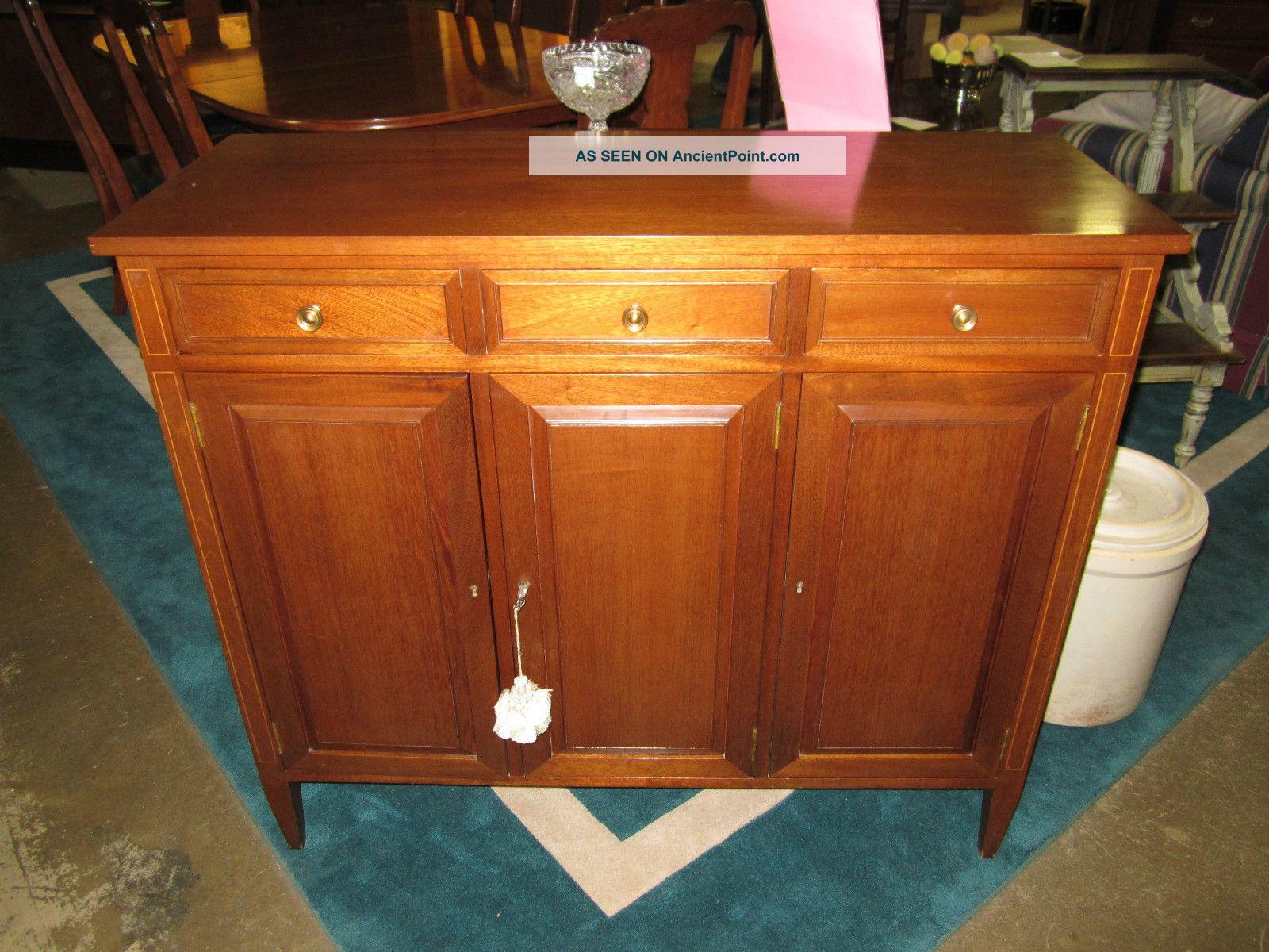 Hepplewhite Biggs Server/buffet/cabinet W Inlaid Post-1950 photo