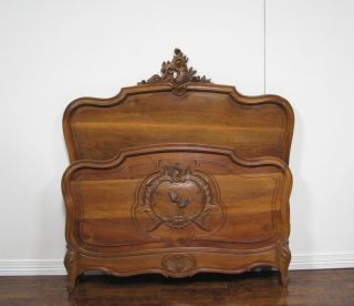 55528 - 2 : Antique French Louis Xv Walnut Bed photo
