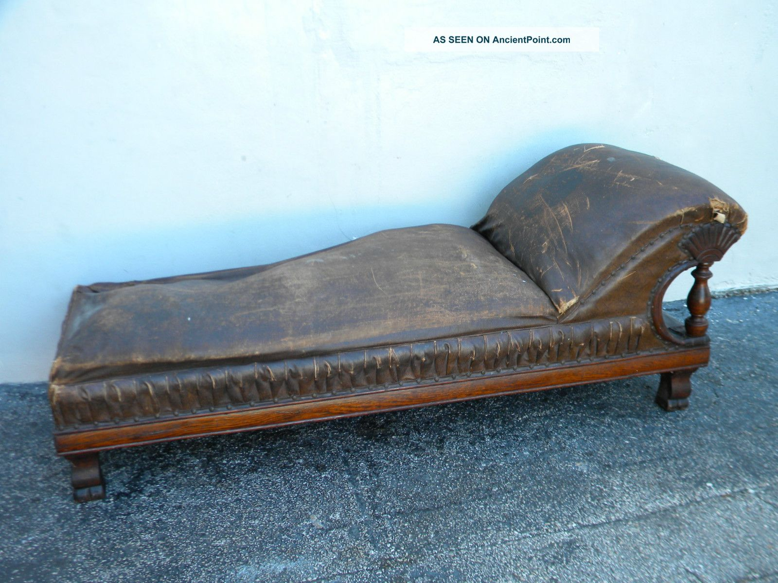 Victorian Tiger Oak Fainting Sofa / Chaise Lounge / Psychologist Couch 2716