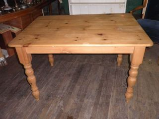 302a British Traditions Country French Farm Table,  Pine Dining Table,  Table photo