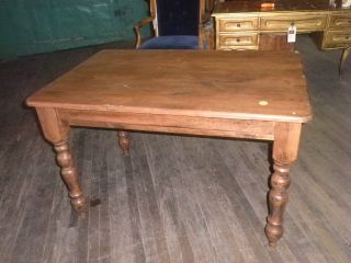 298a British Traditions Country French Farm Table,  Dining Table,  Table photo