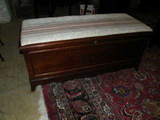 1948 Antique Bedroom Cedar Blanket Storage Chest Trunk Window Bench photo