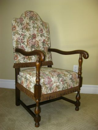 Gorgeous Vintage Spanish Style Throne Chair Accent Chair French Provincial photo