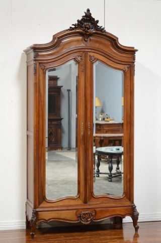 11806 - 1 : Large French Louis Xv Style Antique Armoire photo