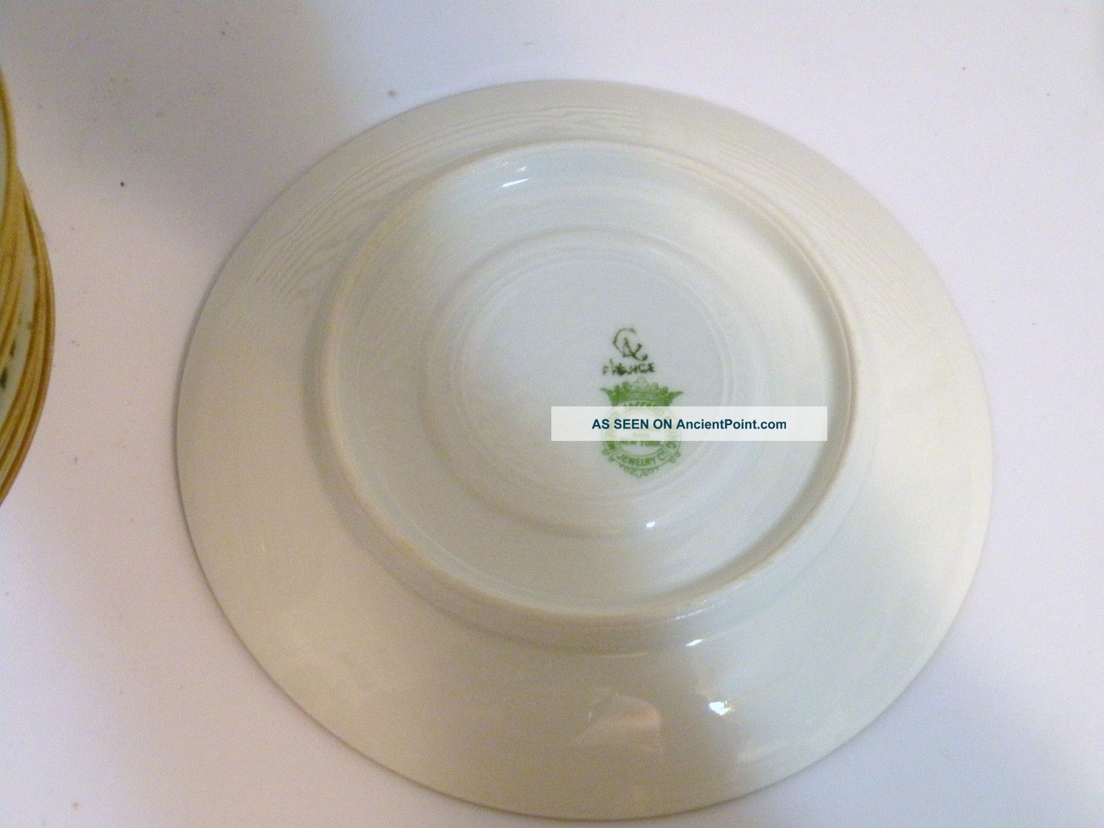 - vtg_set_of_10_green_leaf_ca_france_5_58__saucers_mermod__jacob__king_jewelry_4_lgw