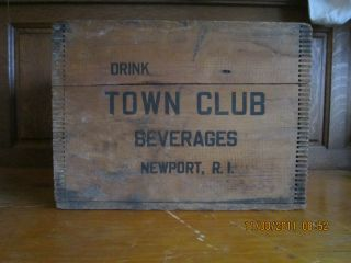 Vintage Dove Tail Wooden Beverage Crate - Town Club Beverages Newport,  R.  I. photo