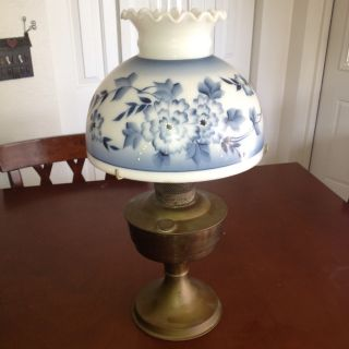 Aladdin Kerosene Lamp photo