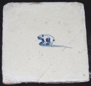 17thc Dutch Delft Tile Tegel Friendly Bear photo
