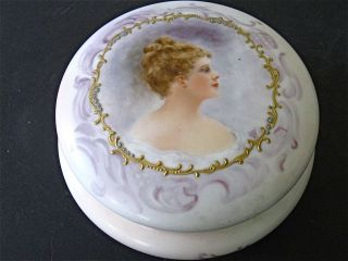 T & V Limoges Tressemanes & Vogt Painted Porcelain Covered Powder Bowl Box Box photo