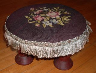 Sweet Antique Folk Art Needlepoint Footstool With Large Spools For Legs Nr photo