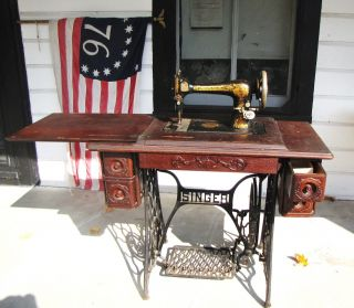 Antique 1908 Singer Treadle Sewing Machine With 5 Drawer Ornate Desk & Extras photo