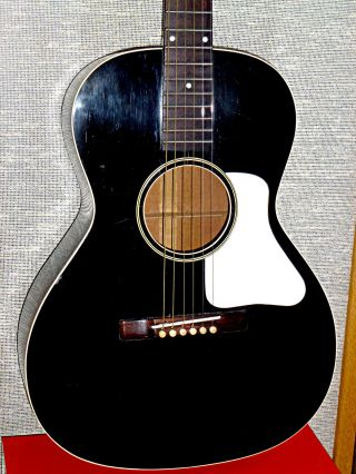 Gibson L - 00 Acoustic Guitar - Vintage 1930 - Black With White Pick Guard photo