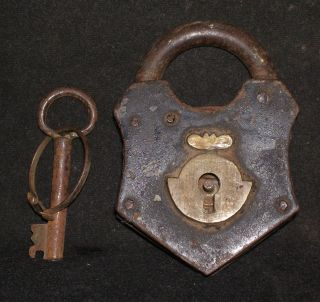 Antique Indian Brass And Iron Lock  Very Rare Collectible : photo