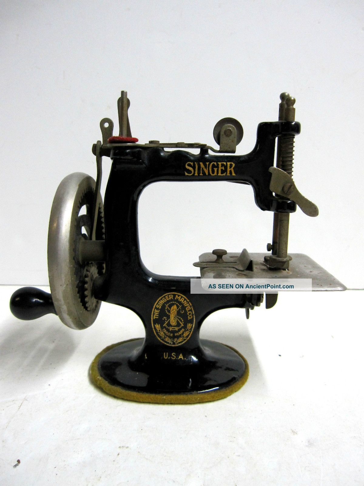 Rare Antique 1914 Singer 20 Sewing Machine Toy Miniature Works Well But Read Sewing Machines photo