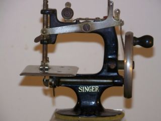 Singer Sewhandy Child Sewing Machine 20 Black C1920 ' S - Fully Operational photo