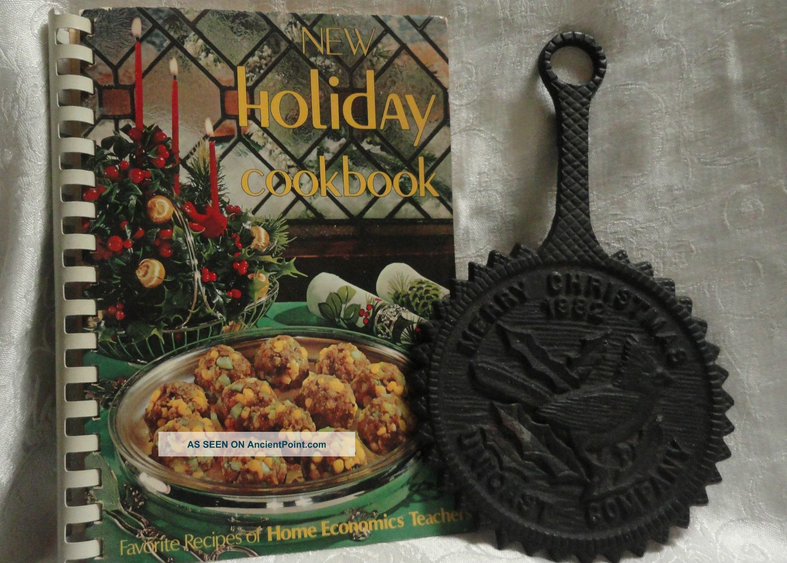 Holiday Cookbook Home Ec Teachers 1974 Merry Christmas Cast Iron Trivet 1982 Trivets photo