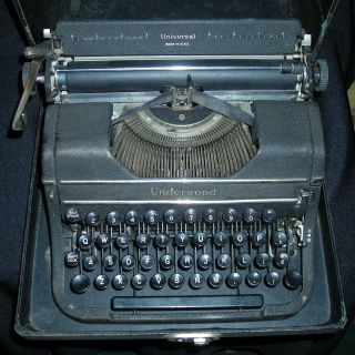 Antique Underwood Universal Vintage Portable Typewriter W/ Case Circa 1930 - 1940 photo