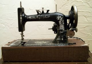Antique - New Home - S.  M.  Co.  - Light Running - Sewing Machine - 1916 - W/case photo