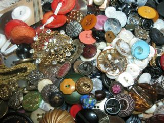 3 1/2 Lbs Antique/vintage Buttons Awesome photo