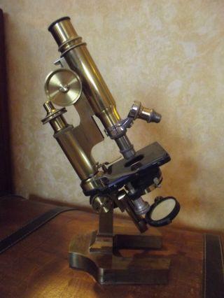 Microscope De Laboratoire C.  Vérick élève Spécial De E.  Hartnack photo