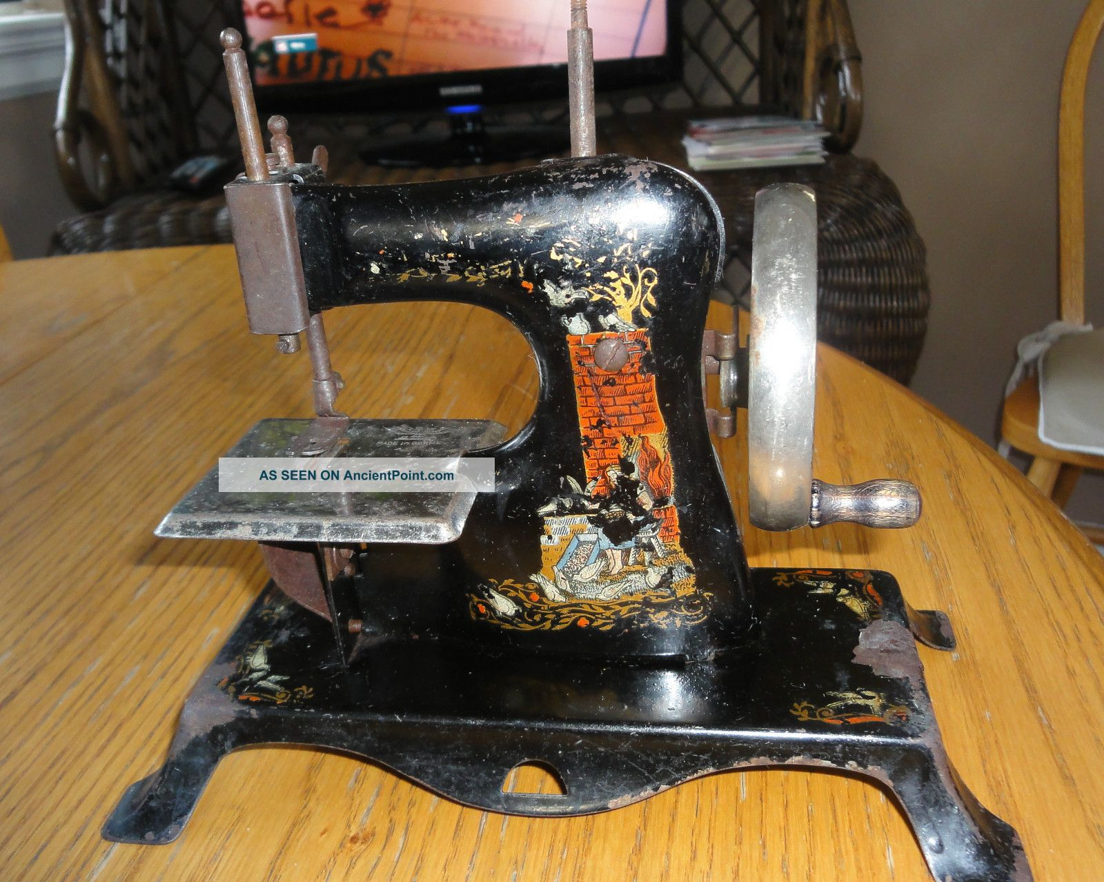 Antique Casige Child ' S Toy Sewing Machine Sewing Machines photo