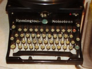 Rare Factory Remanufactured Remington Noiseless Typewriter Xr18070 Rare Keys photo