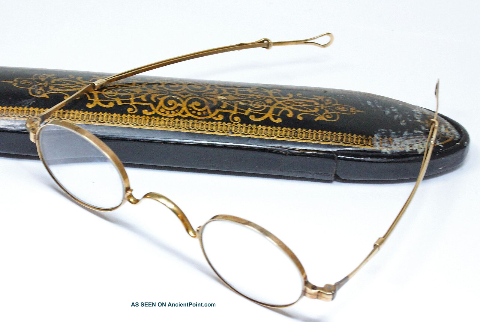 Th Century Glasses