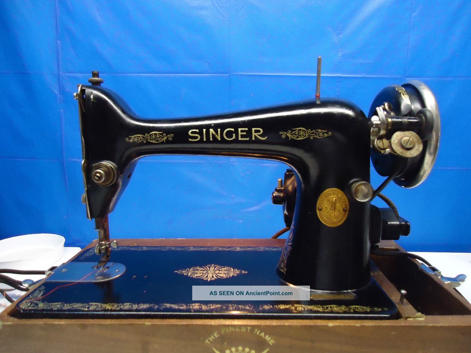 Singer 99 - Vintage - Heavy Duty Industrial Strength.  Perfect Stitch 1929. .  L@@@k Sewing Machines photo