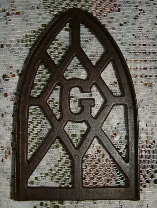 Antique Or Vintage Smart Brockville Cast Iron Stand Trivet With A G In Center photo