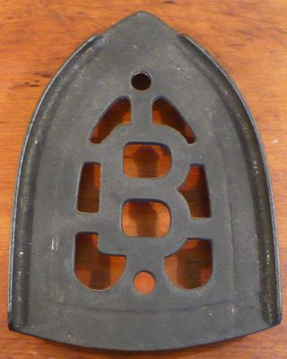 Vintage Cast Iron Trivet Three 1/24