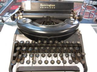 Remington Portable Noiseless Model Seven Typewriter photo