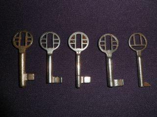 5 Antique Vintage Germany Furniture Keys photo