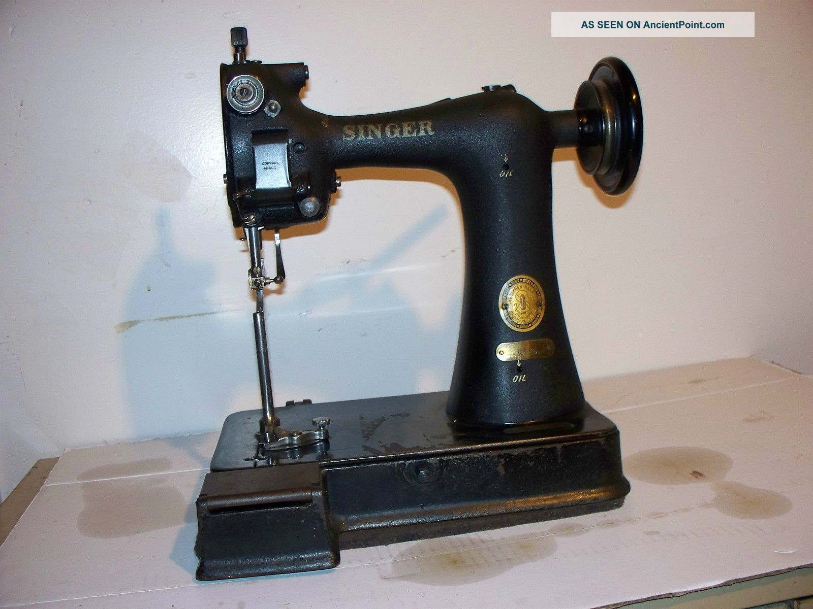 Antique Singer 91k6 Leader Gloves Sewing Machine Sewing Machines photo