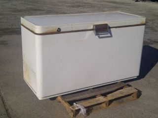 International Harvester Chest Freezer - Model M - 16 - 1957 - Not Cooling. . . photo
