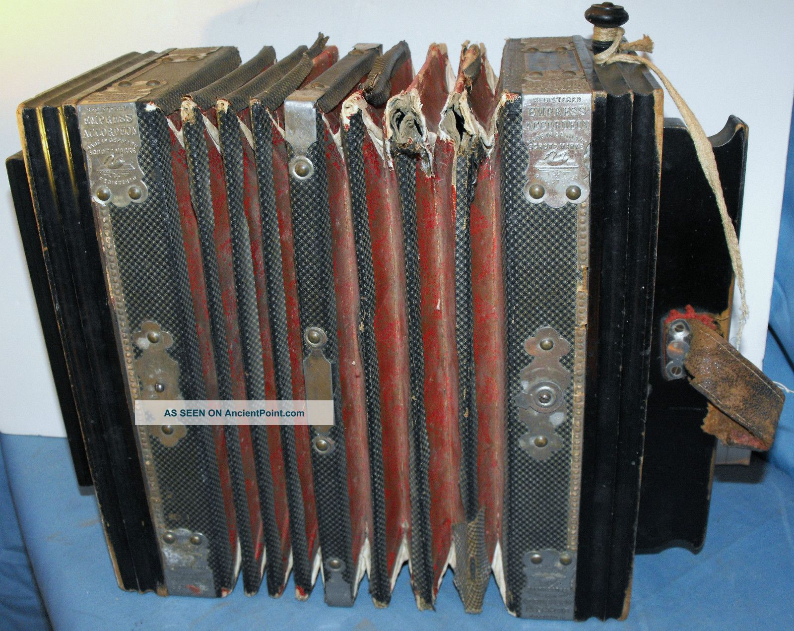 Antique Vintage Empress Accordeon Accordion For Restoration Schutzmarke Germany. Other photo