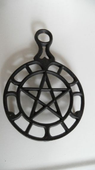 Vintage Griswold Cast Iron Trivet Three Footed Star Design 1740 photo