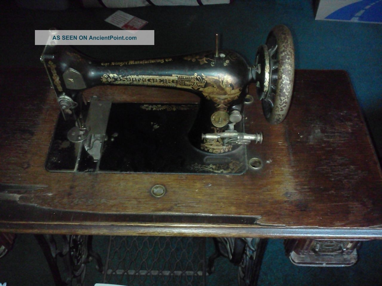 Antique Singer Sewing Machine In Its Wood Casing And Case Cover - Great Find Sewing Machines photo