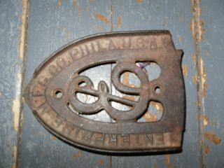 Antique Enterprise Mfg Co Phila Pa Cast Iron Sad Iron Rest Trivet - Old photo