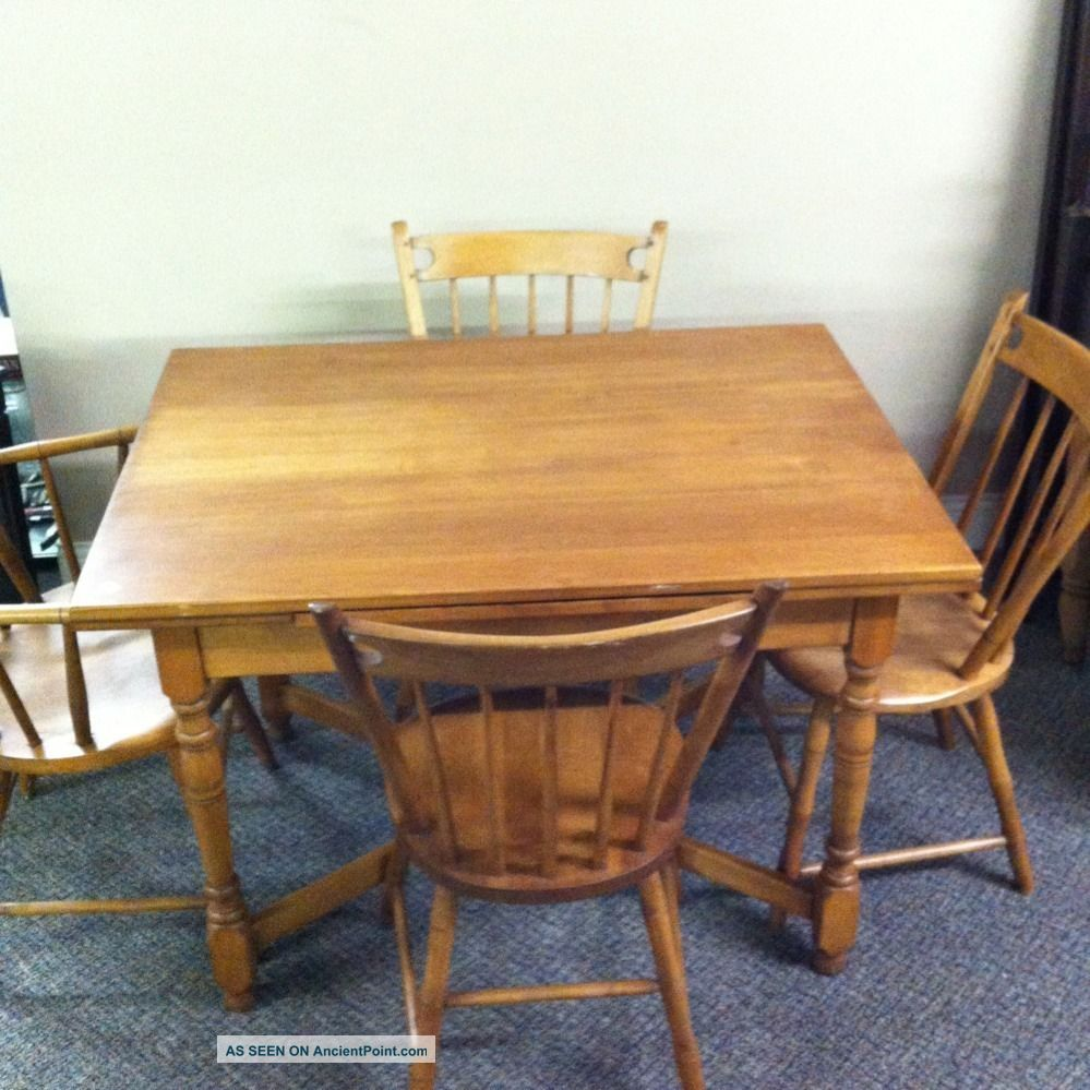 Cb Famous Reproduction Of Old New England Furniture - Table And 4 Chairs C107jp Post-1950 photo