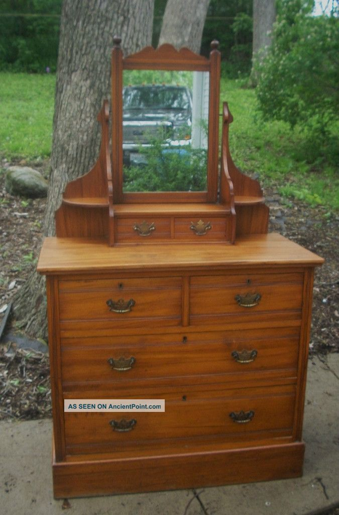 Lillian Russell Bedroom Furniture
