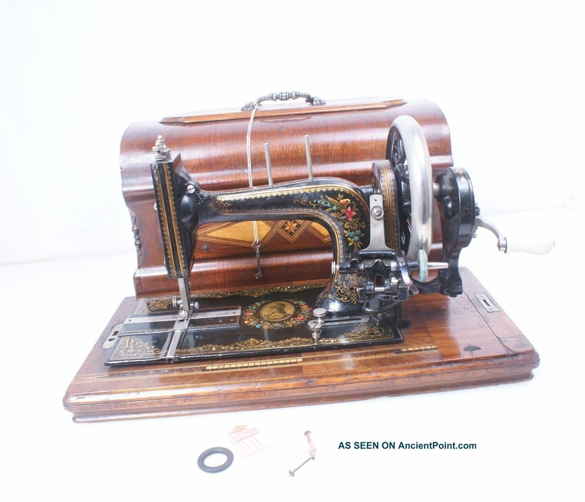 Antique 1897 - 1901 German Stoewer Hand Crank Sewing Machine Victorian Beauty Sewing Machines photo