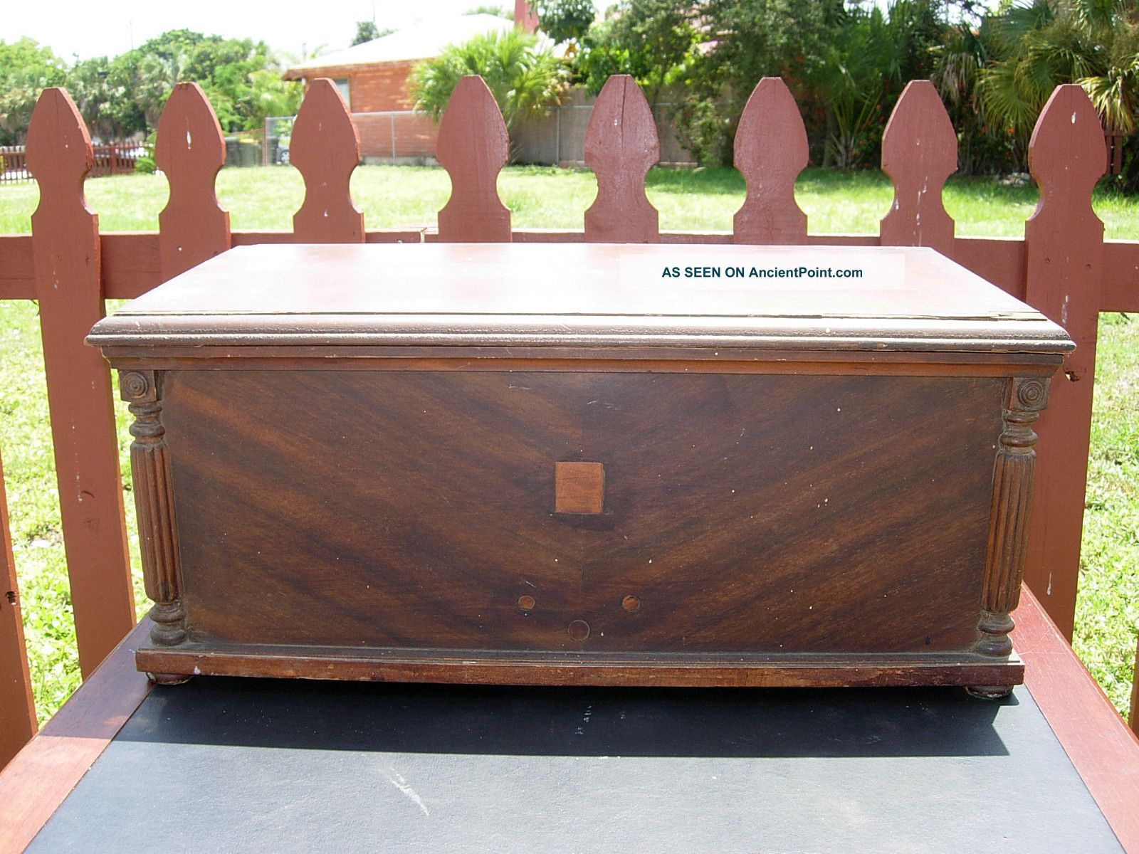 Vintage Wood Trunk Miniature Blanket Chest 1900-1950 photo
